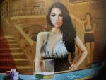 weibliche Live-Casinohändlerin